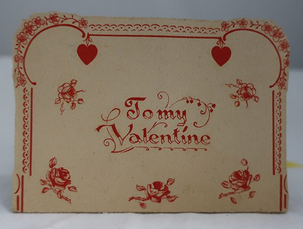 German Stand Up Valentine- Boy & Girl with Dove