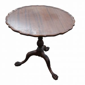 Mahogany Claw Foot Pie Crust Tilt Top Table