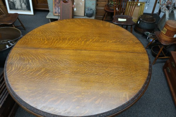 "Quarter Sawn Oak 60"" Round Dining Table with Five 12"" Leaves-10' Extended"