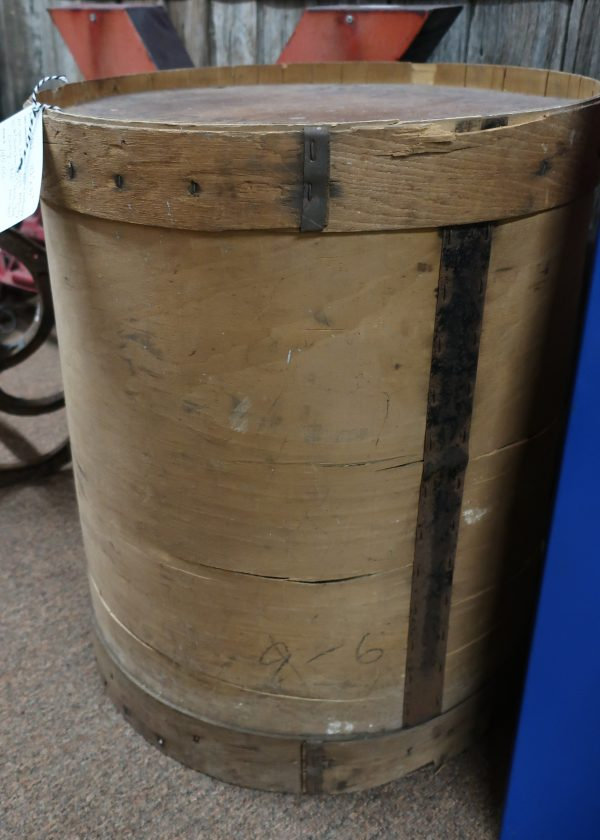 Antique Hutchinson & Sons Wood Round Container Barrell for 100 Bottle Caps