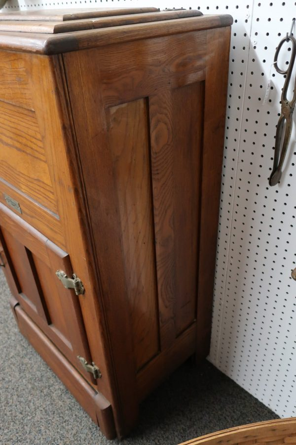 Gibson Panneled Oak Ice Box with Overflow Faucet