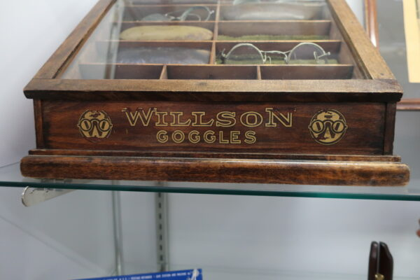 1920's Willson Goggles in Antique Wooden Case with Original Gold Lettering