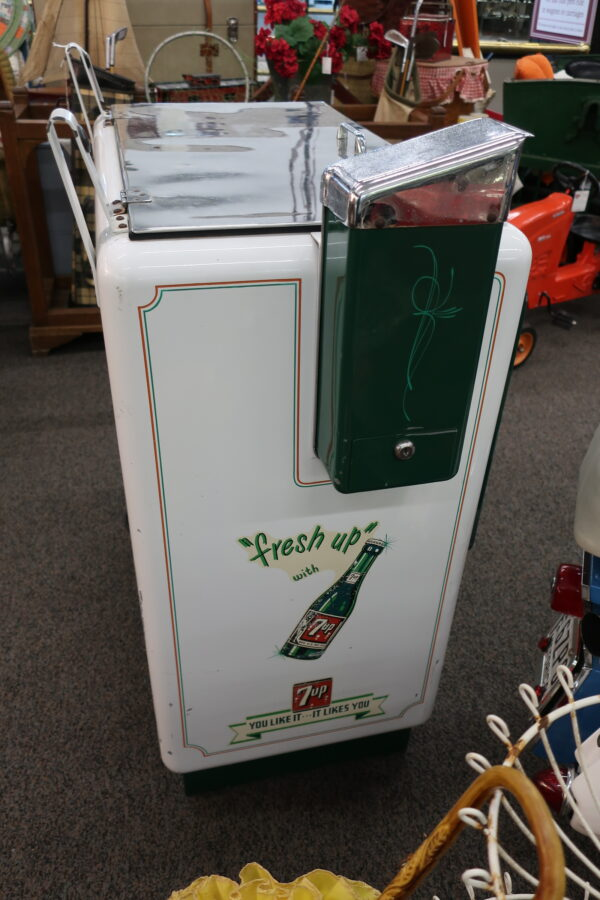 1940's Coin Operated 7 Up Soda Machine