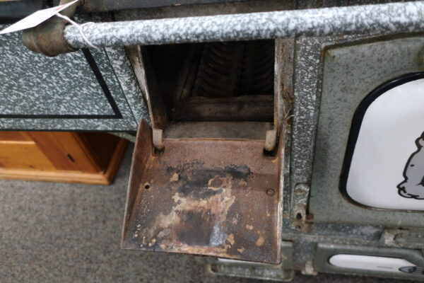 Antique Stove Retrofitted to Gas